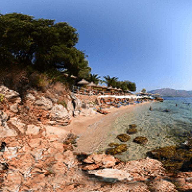 Παραλία Κόκκινος Βράχος – Θεσπρωτία