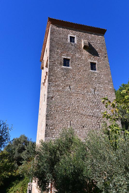 Πύργος Κούλια - Παραμυθιά