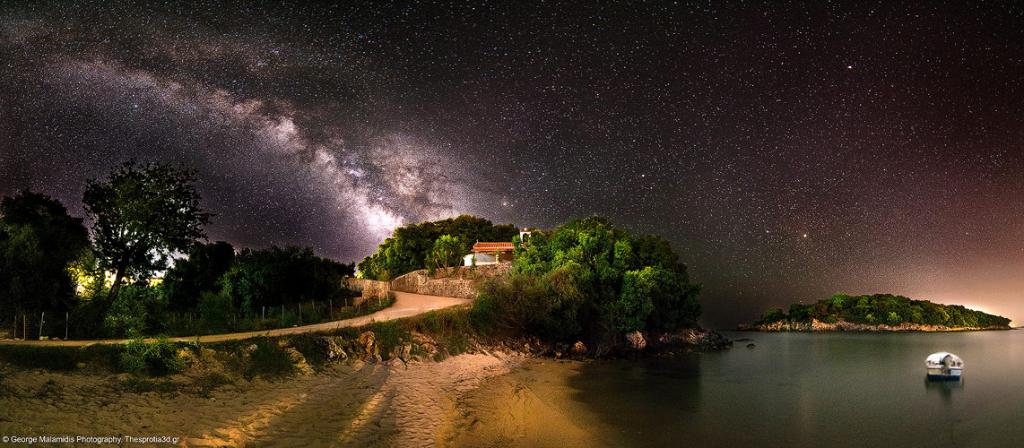 O γαλαξίας στη παραλία Αγία Παρασκευή